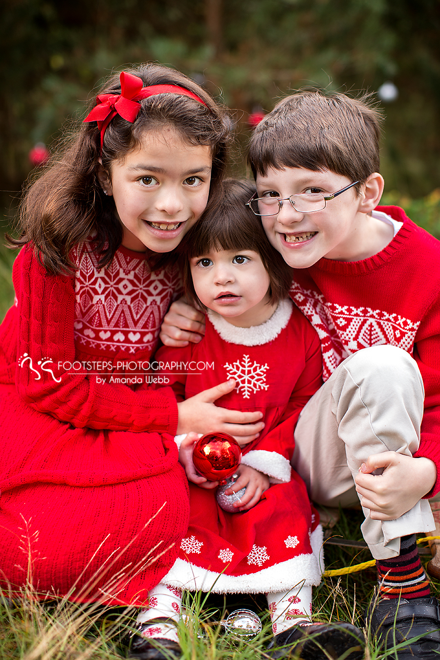 Fall and Christmas Mini Session with 3 children - Footsteps ...